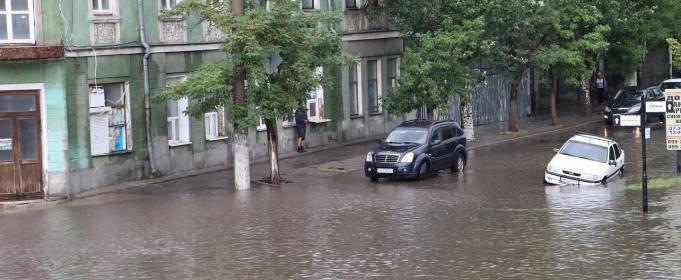 Ливень затопил курорты на Азовском море
