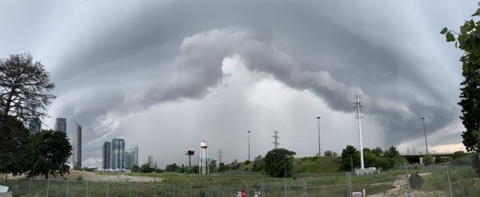 Потрясающие фото шторма над Торонто