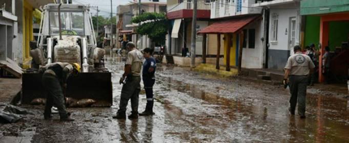 Дождь после шторма Эрнан вызвал наводнение в двух штатах Мексики