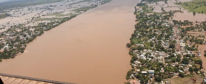 24 людини загинуло і 11 тисяч врятовано після повені в центральній Індії