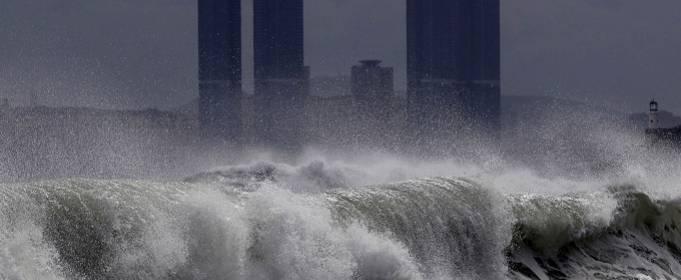 Жертвами тайфуна Хайншен в Японии и Южной Корее стали четыре человека