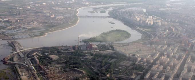 На северо-востоке Китая на реке Муданьцзян из-за наводнений прорвало дамбу
