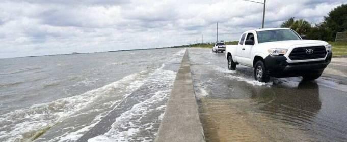 Ураган Саллі пройшовся по трьом штатам в США
