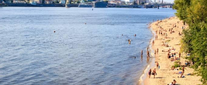 Купальный сезон в Киеве завершился рекордно поздно в этом году