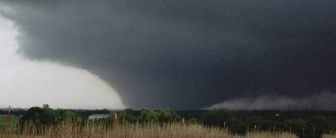 ВИДЕО. Самые мощные торнадо, снятые на камеру