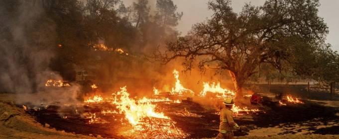 Пожарные в Калифорнии надеются на «Мари»