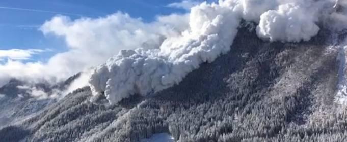 ВІДЕО. Найпотужніші снігові лавини, зняті на камеру