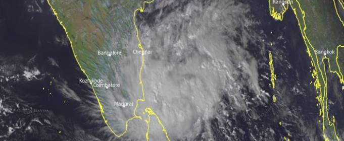 На Індію насувається тропічний шторм Нівар
