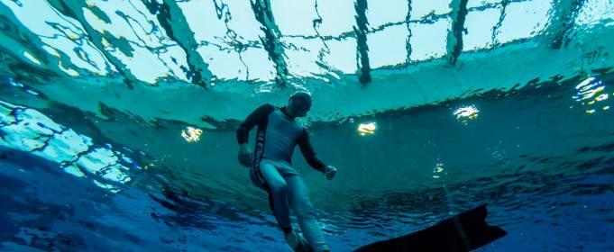 В Польше открылся самый глубокий в мире бассейн