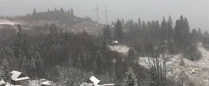 Запад Украины засыпало снегом
