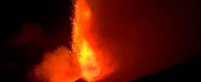 На Сицилії почалася активна фаза виверження вулкану Етна