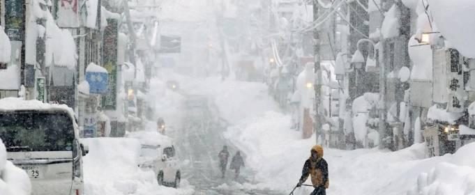 Снігопади в Японії забрали життя 8 осіб