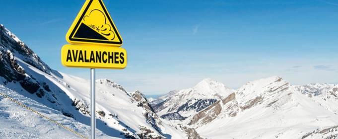 Через сильний снігопад у Швейцарії загинули як мінімум двоє людей