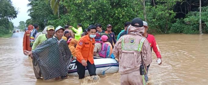 Более 20 человек погибли в результате недавнего наводнения в Индонезии
