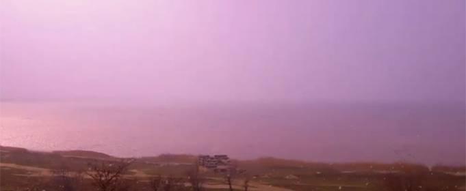 На Геническом озере прошла розовая буря