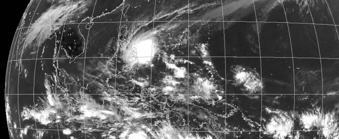 В Северном полушарии появился первый тропический шторм