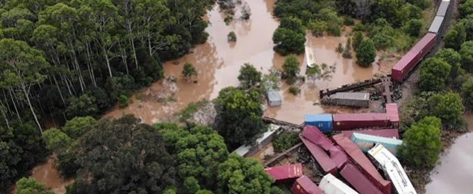 В Австралии поезд сошел с рельсов из-за наводнения в Новом Южном Уэльсе