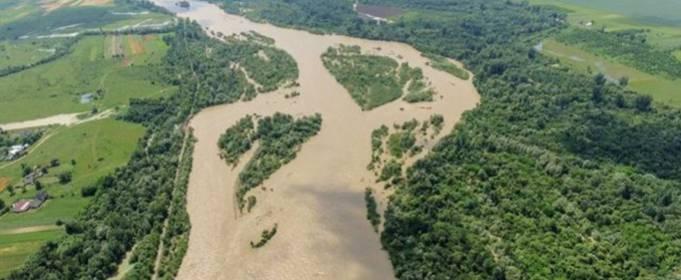 В Карпатах после оттепели ожидается сильный паводок