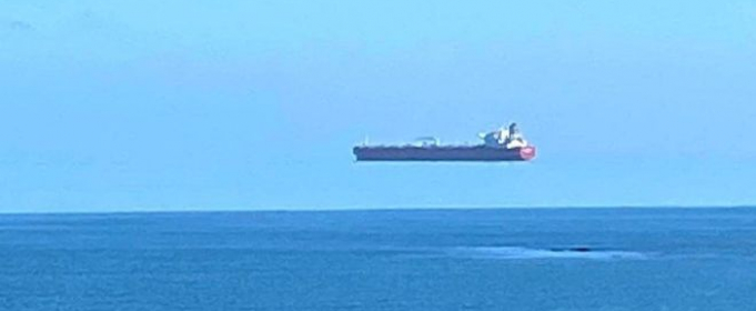 Біля берегів Великобританії помічено рідкісний міраж «летючого корабля»