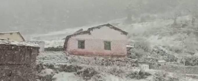Индию накрыли мартовские снегопады