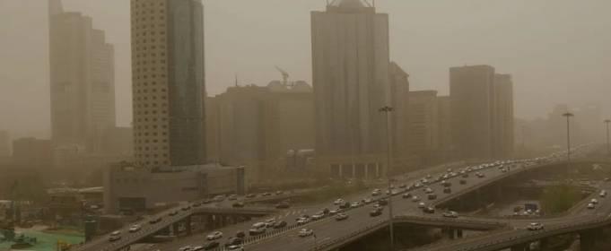 Пекін знову накрила піщана буря. Фото