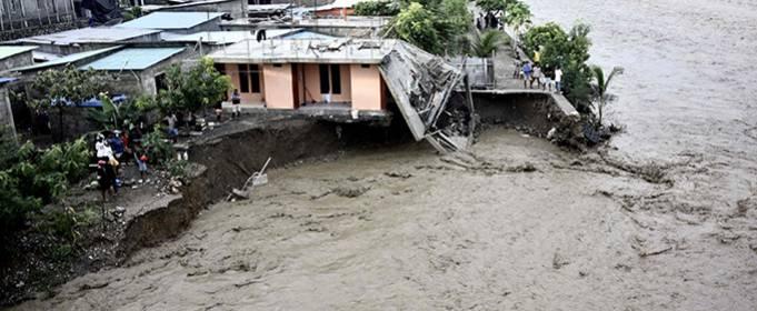 В Індонезії та Східному Тиморі зростає число загиблих від повеней