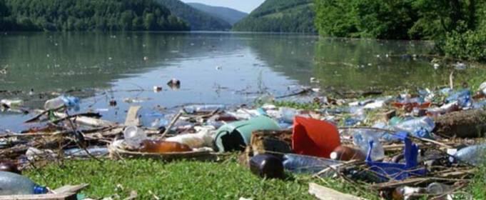 Рекордное количество несанкционированных свалок обнаружили на Закарпатье у берегов рек