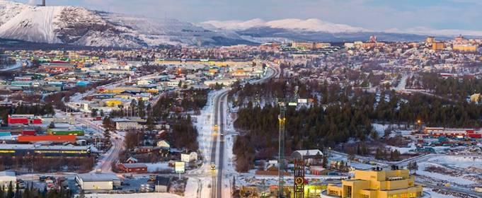 Як перевезти місто. У Швеції будинки транспортують на вантажівках