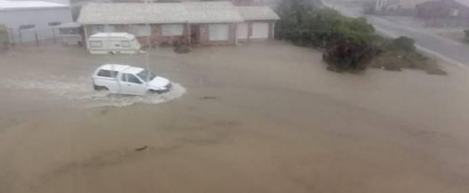 Сильный шторм вызвал наводнение в некоторых провинциях Южной Африки