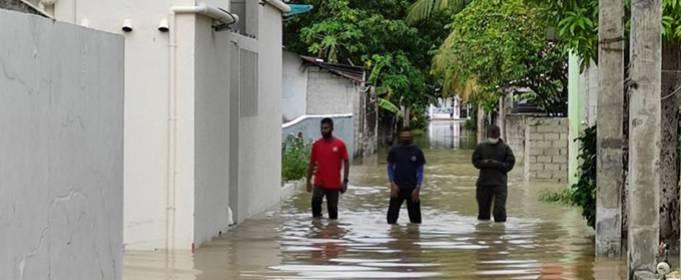 На Мальдивах сотни домов затоплены после нескольких дней проливного дождя