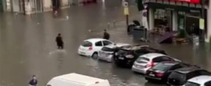 На севере Франции один человек пропал без вести после наводнения