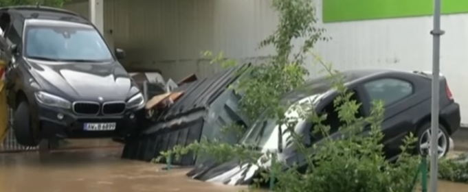 Сильні дощі викликали катастрофічні повені в Західній Німеччині