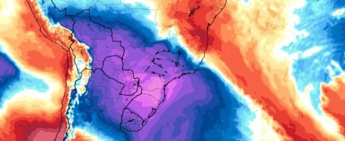 Холодне полярне повітря принесло снігопади і крижані дощі на південь Бразилії