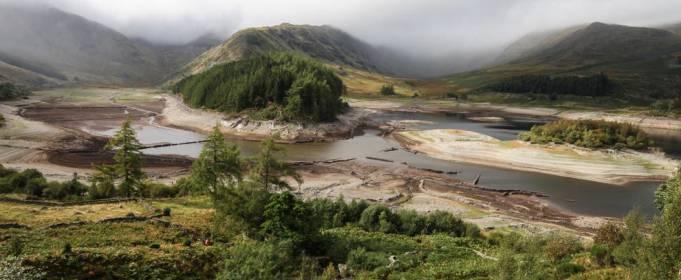 «Затерянная деревня» в Великобритании снова появляется после падения уровня воды